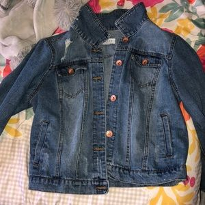 Light wash jean jacket with buttons